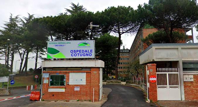 Coronavirus, contagi in Campania: positiva donna incinta