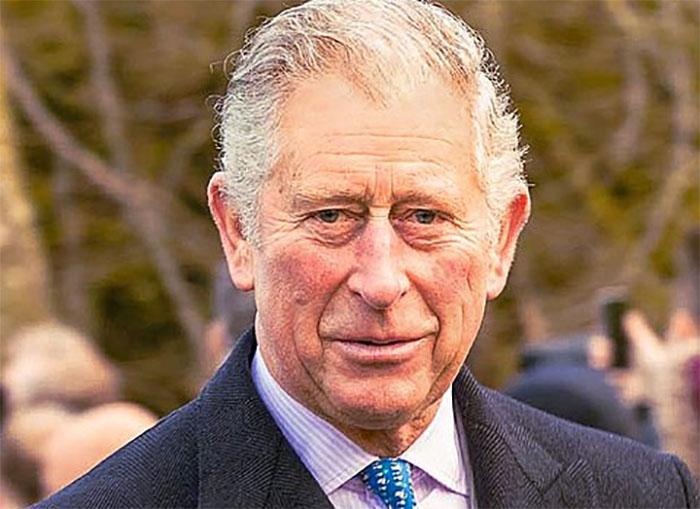 Coronavirus contagia anche i reali: Carlo d'Inghilterra positivo al tampone