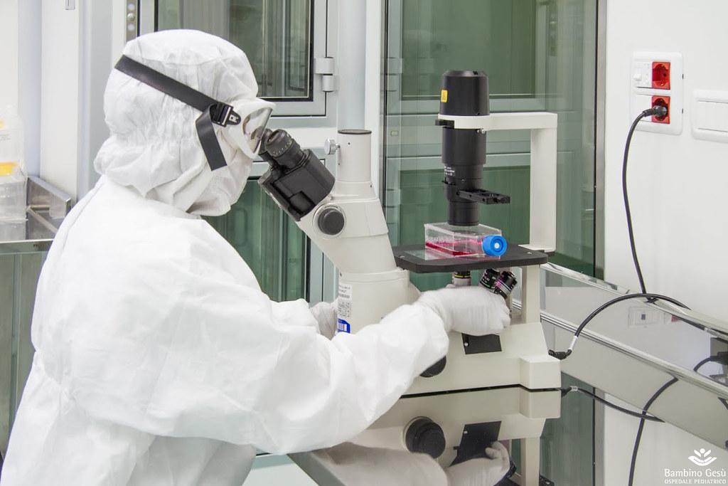 Coronavirus, boom raccolta fondi per il laboratorio di genetica