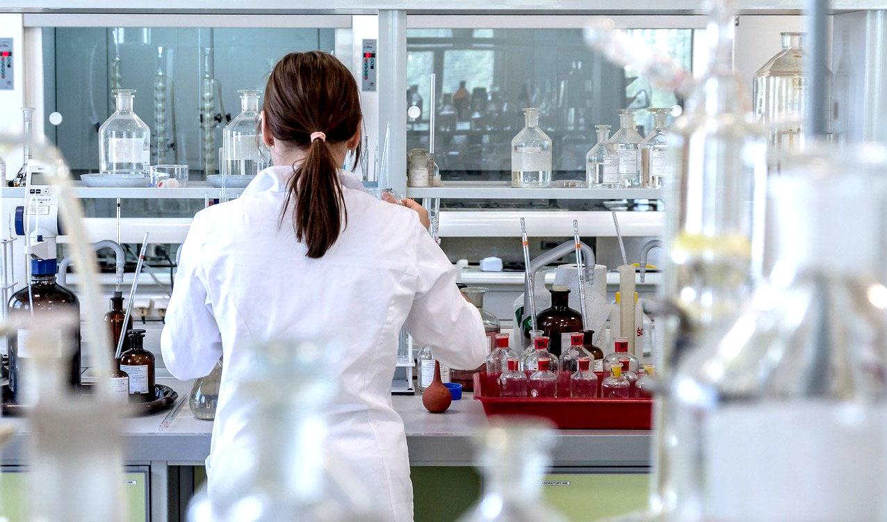 Scoperte molecole contro il Coronavirus: nel tema di ricerca anche la Federico II