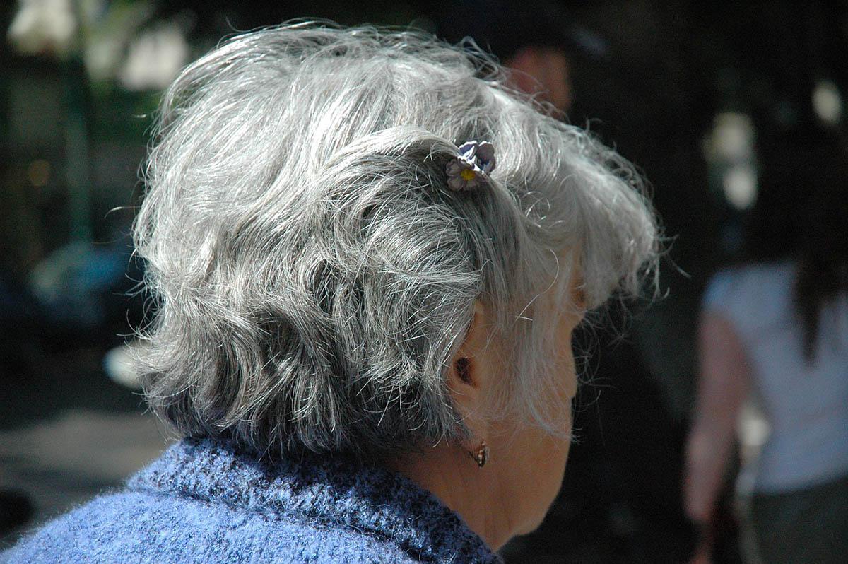 """Coronavirus, 81enne guarisce: una vera """"nonna di ferro"""""""