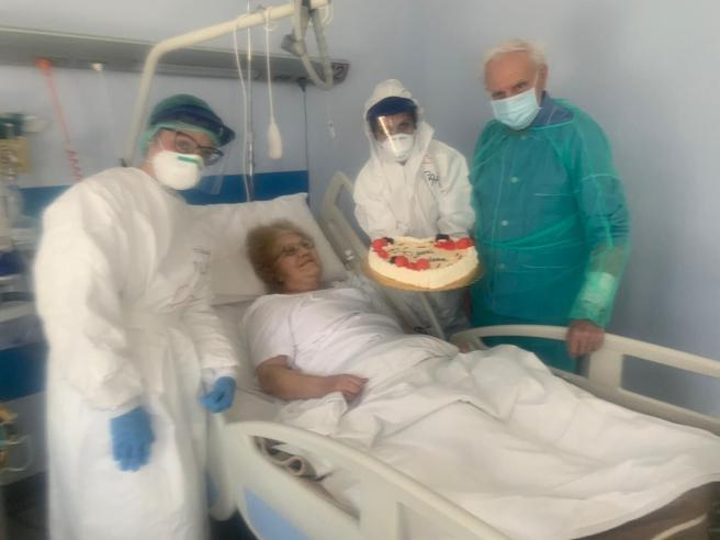 Coronavirus: Umberto e Maria festeggiano 56 anni di matrimonio