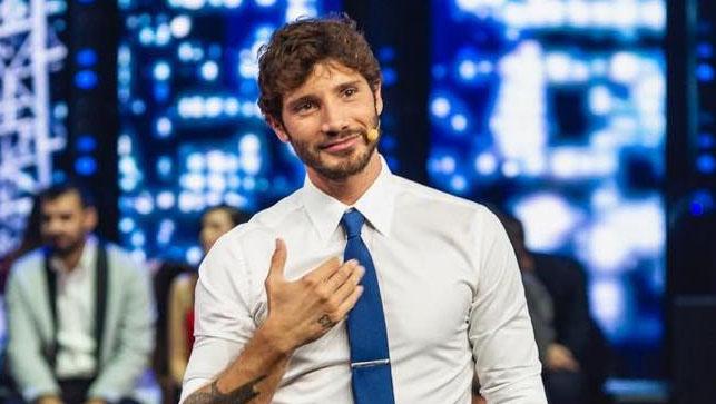 """Stefano De Martino contro Feltri e insulti: """"rimasto al 1800"""""""