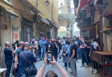 Coronavirus, protesta a San Gregorio Armeno: artigiani chiedono aiuti