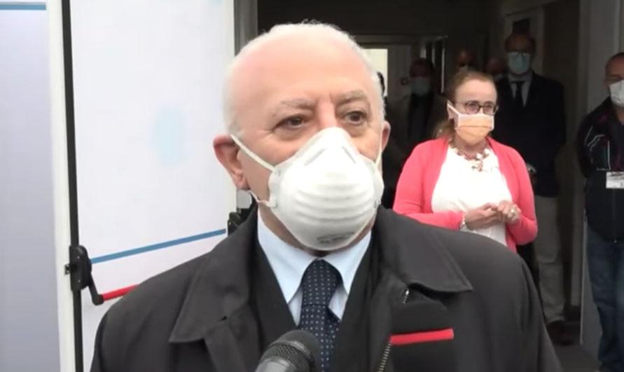 """Coronavirus Napoli, De Luca: """"Qui dobbiamo combattere imbecilli doppi"""""""