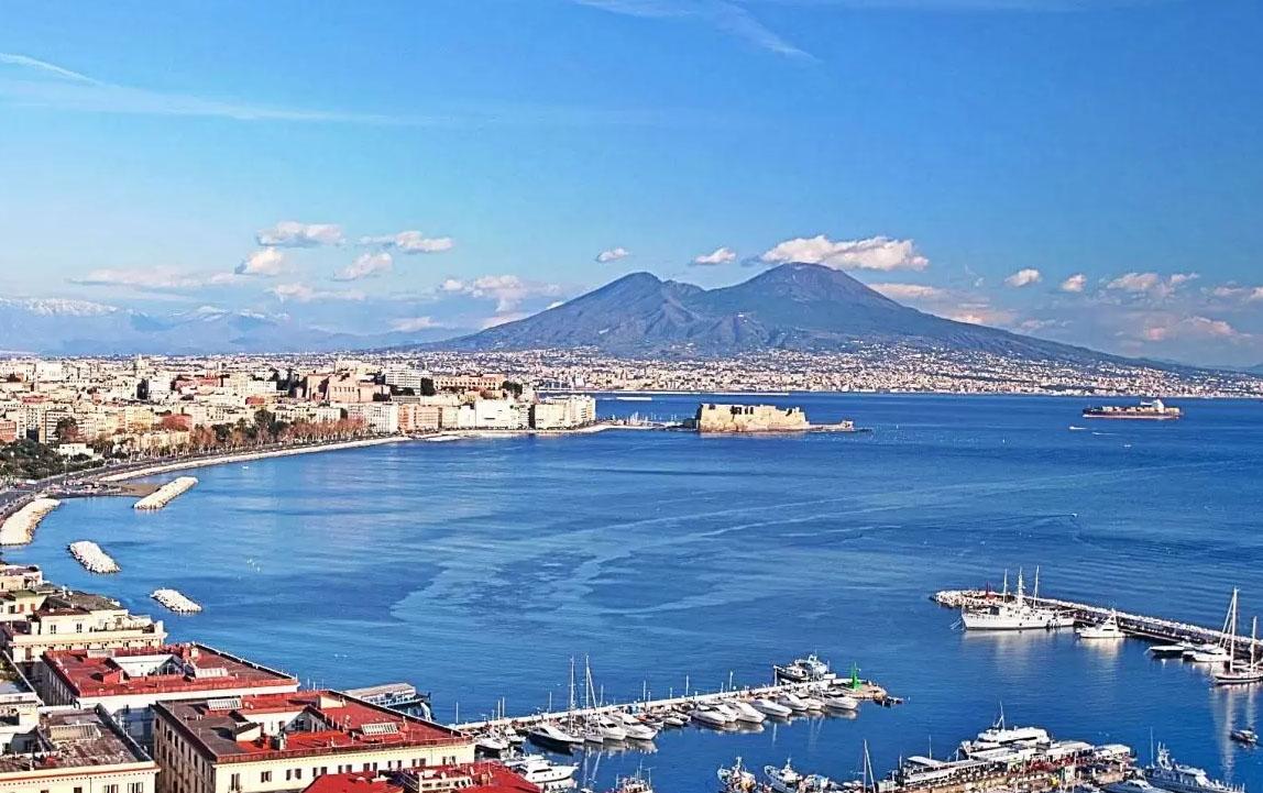 Napoli: nuove aree dedicate alla ztl e percorsi pedonali