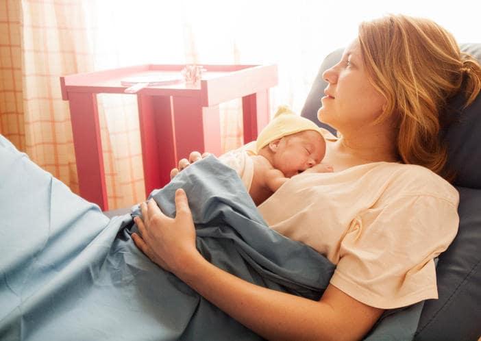 Allattamento al seno sicuro durante la pandemia COVID-19