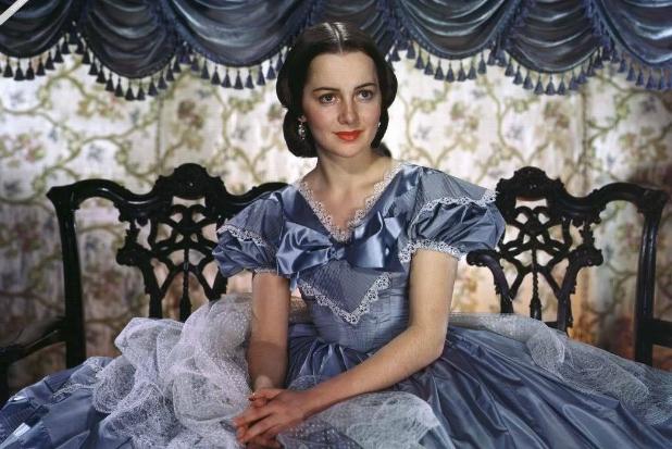 """Olivia de Havilland, l'attrice di """"Via col Vento"""" spegne 103 candeline"""