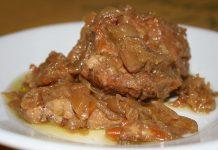 Carne alla genovese: la ricetta alla napoletana