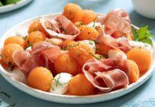 Insalata di melone, prosciutto, mozzarella e rucola: la ricetta perfetta!