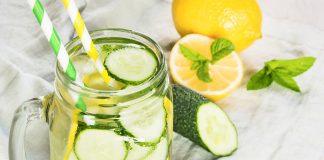 Acqua detox limone e cetrioli: ricetta drenante e depurativa