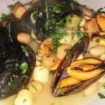 Gnocchi con cozze e fagioli: la ricetta alla napoletana