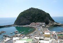 Ischia, Serrara Fontana: multe salate per chi gira a torso nudo