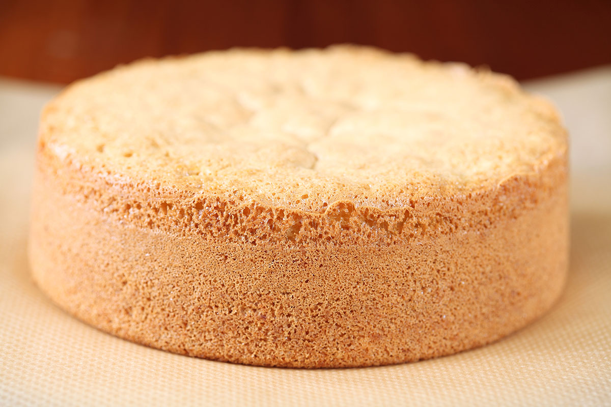 Pan di Spagna alto, una ricetta soffice come una nuvola