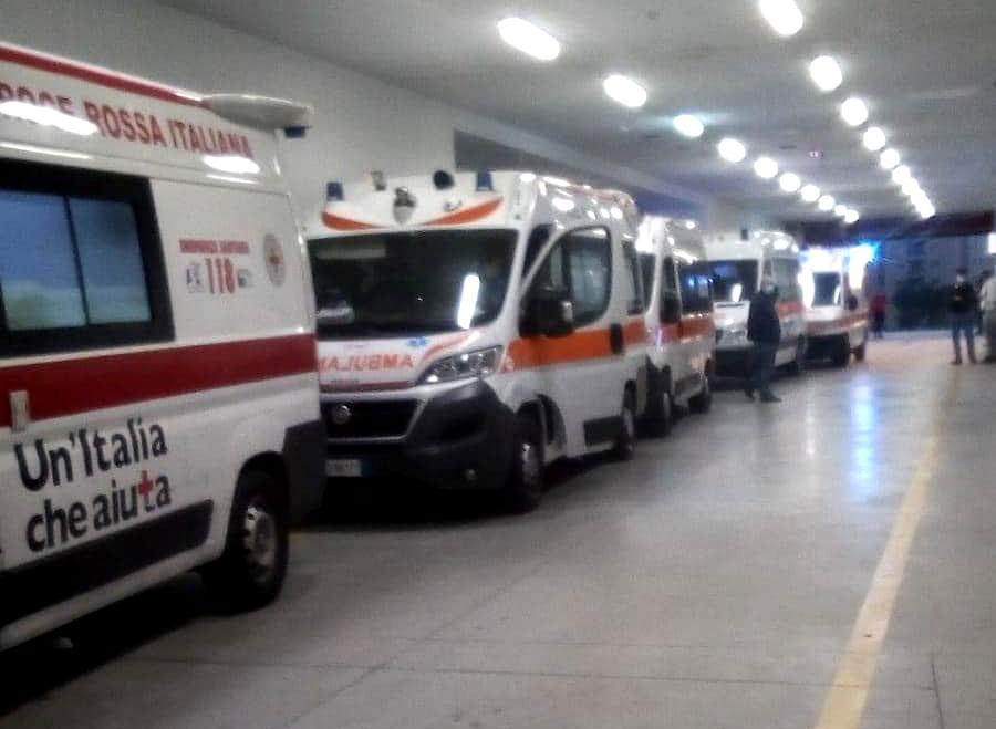 Coronavirus, Campania: personale sanitario in affanno