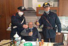 Natale da solo: anziano chiama Carabinieri per un po' di compagnia