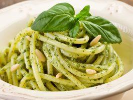 Pesto di basilico napoletano: la ricetta succulenta