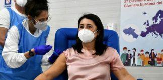 V-Day 2020, Campania: la prima vaccinata anti Covid