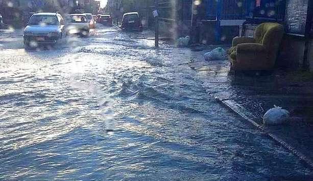 Bomba d'acqua a Napoli: disagi e disservizi