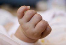 Poggioreale, donna partorisce bimbo in strada