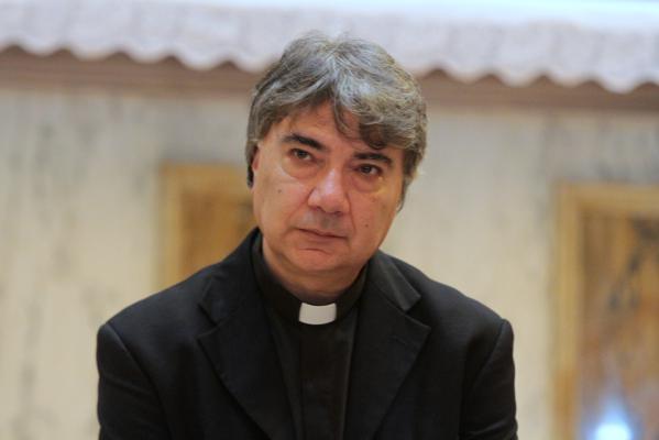 Domenico Battaglia, il nuovo arcivescovo prete di strada