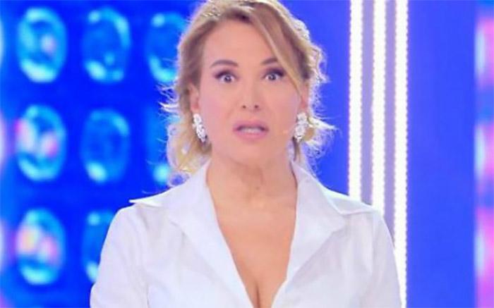 """""""Live - Non è la D'Urso"""" cancellato? Ecco la decisione di Mediaset"""