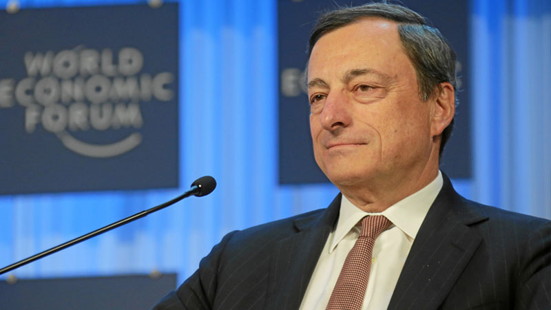 Mario Draghi, calendario scolastico: a scuola anche in estate?