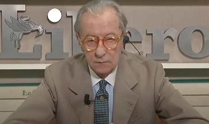 Vittorio Feltri, prima la battuta su Hitler poi si giustifica su Twitter