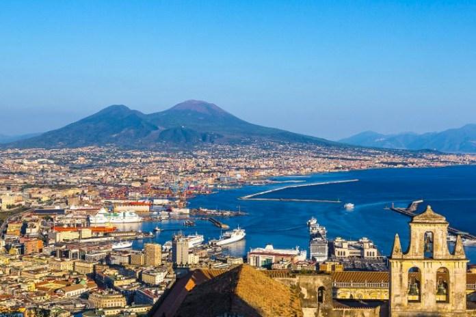 Campania, zona rossa: De Luca proroga le restrizioni