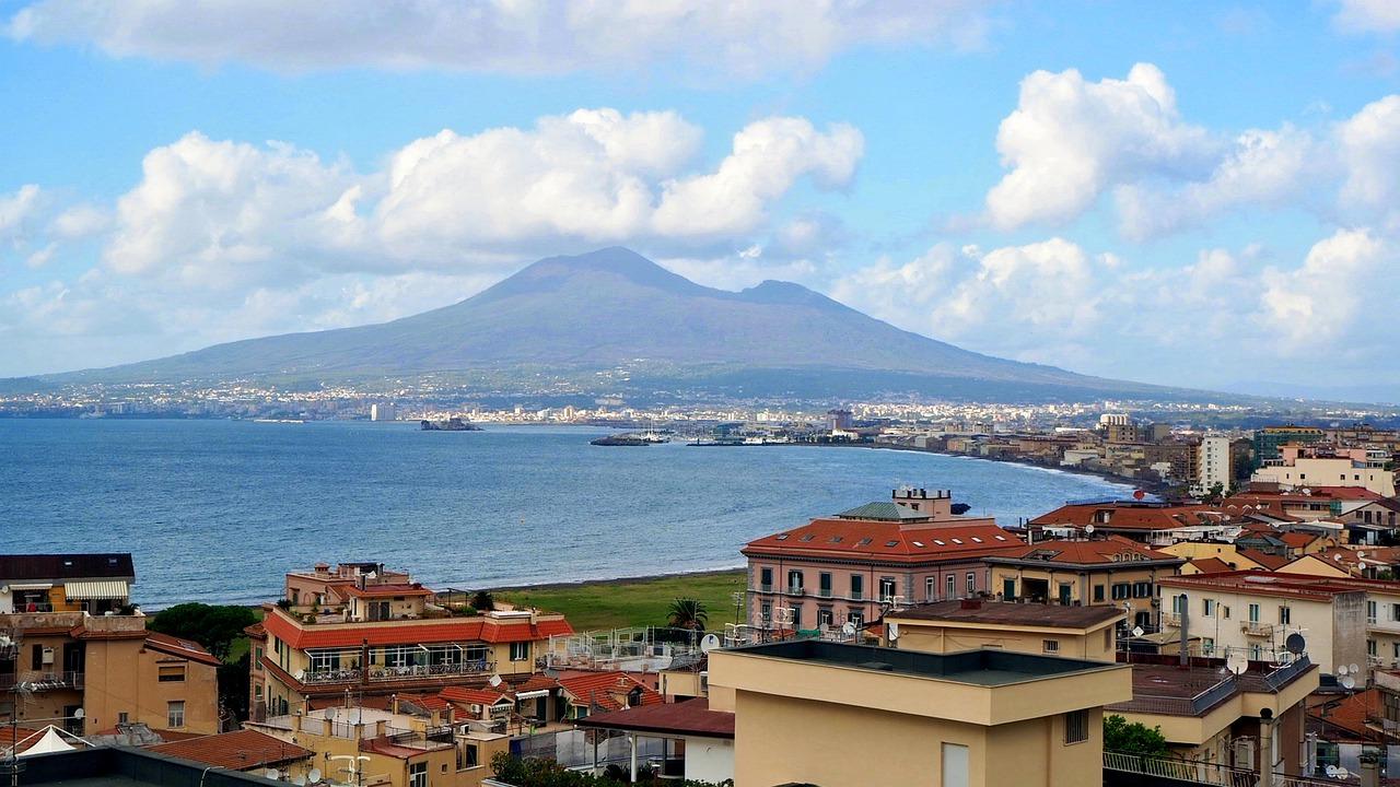 Coronavirus in Campania: tamponi di massa in area vesuviana
