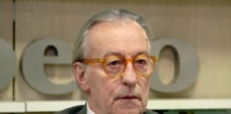"""Vittorio Feltri: """"Sanremo che noia. Meglio le canzoni napoletane"""""""
