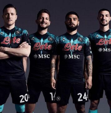 Calcio Napoli, nuovi completini eleganti e penetranti