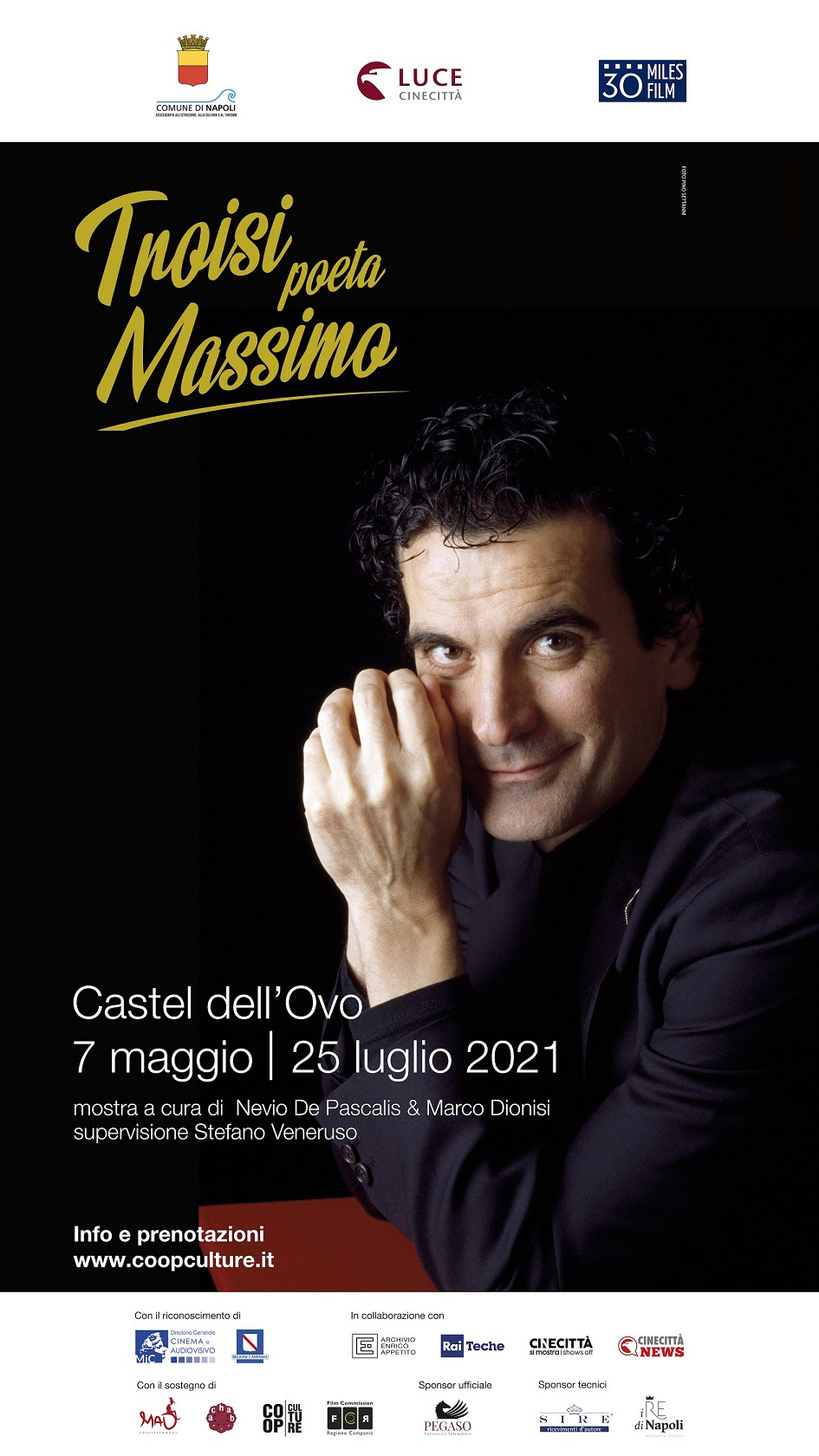 """""""Troisi Massimo Poeta"""": mostra fotografica a Castel dell'Ovo"""