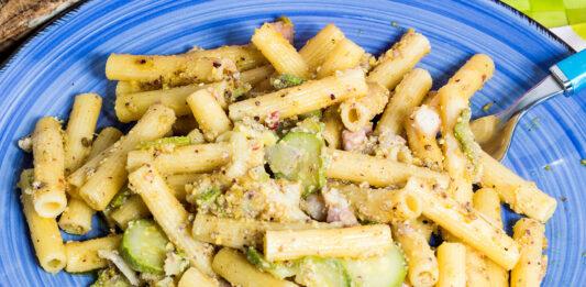 Pasta noci e zucchine