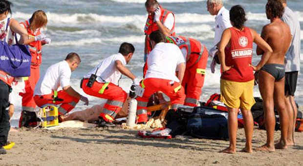 Tragedia in mare: 15enne colto da un malore nelle Eolie