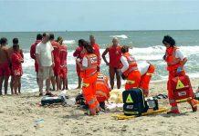 Policastro, malore in spiaggia: uomo stroncato da un infarto