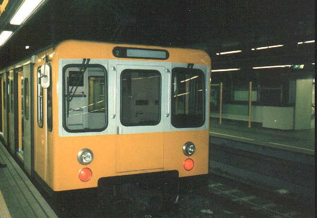 Metro Linea 1: stop a causa di un tentato suicidio