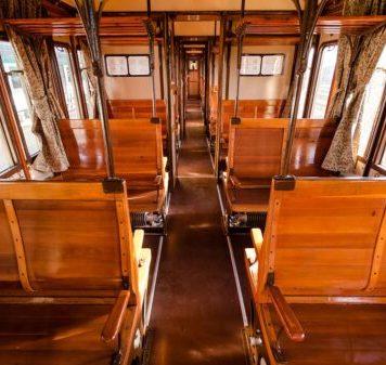 """""""Reggia Express"""" Napoli - Caserta: viaggio nel treno storico"""
